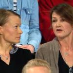 Linda Karlström och fd vaccinforskaren Ann-Charlote Stewart. Foto: SVT Debatt